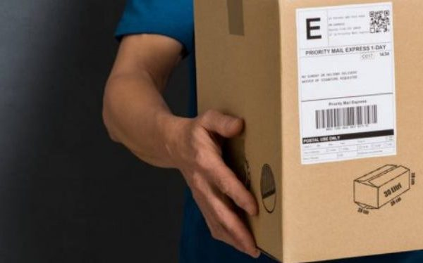 How to arrange a courier to pick up a parcel
